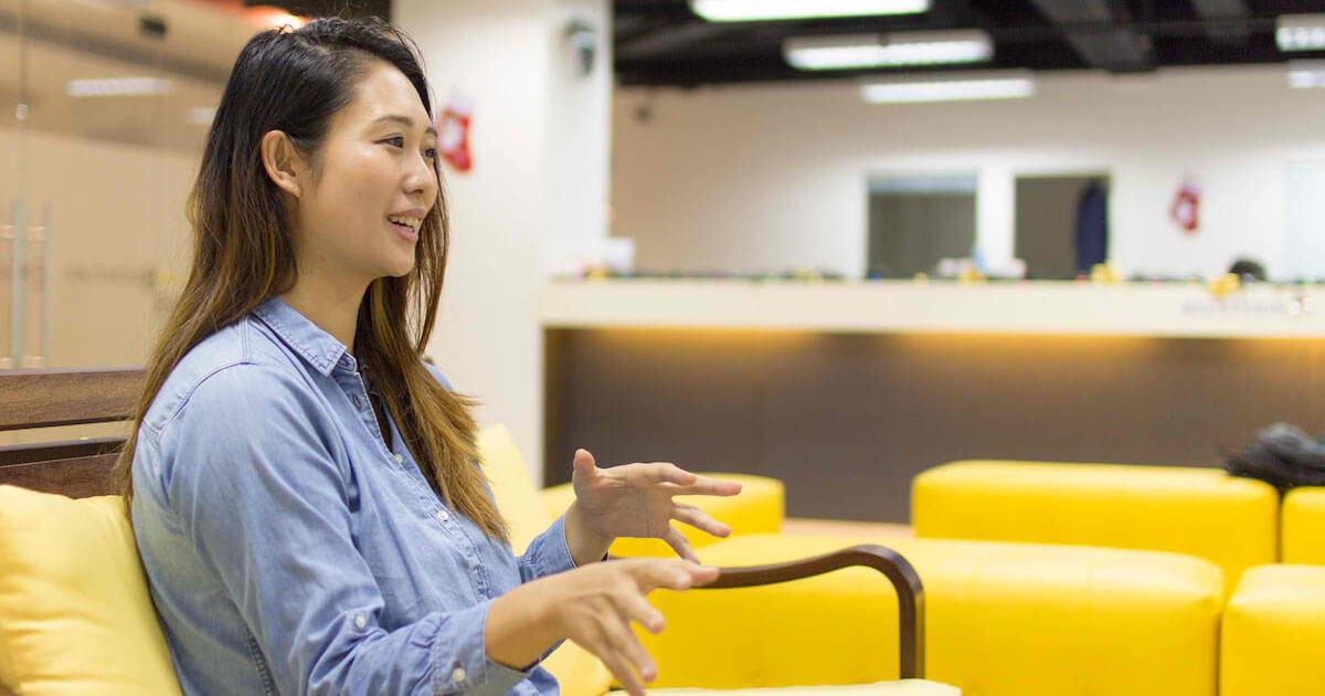 フィリピンセブ留学のブライチャー留学体験談|鎌田さんのインタビューの様子2|より実践的な発音の授業