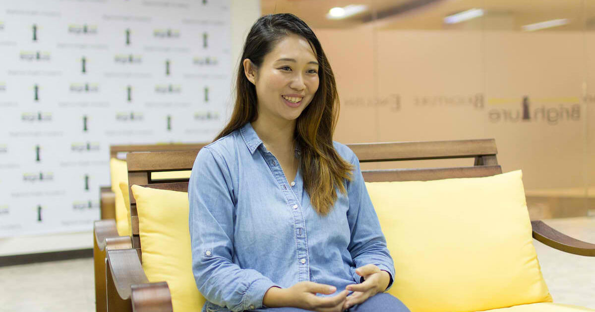 フィリピンセブ留学のブライチャー留学体験談|鎌田さんのインタビューの様子 4|元Appleシニアマネージャー直伝のBusiness coaching